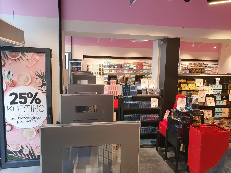 Artikelbeveiliging - productbeveiliging - winkelbeveiliging - detectiepoortjes - elektro magnetisch - EM - winkel - winkeldief - strips - parfum - parfumerie - drogist - drogisterij - apotheek - da - beauty-x - rooftas